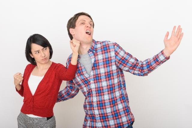 電話を禁止する夫婦