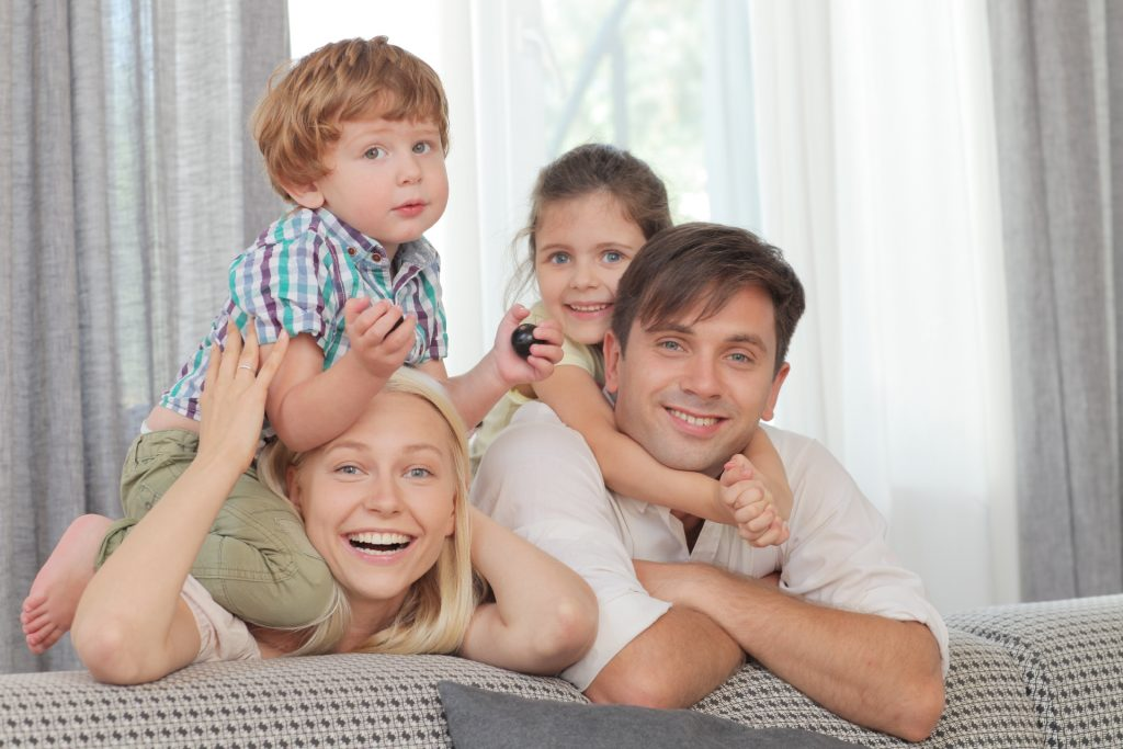 幸せそうな家族