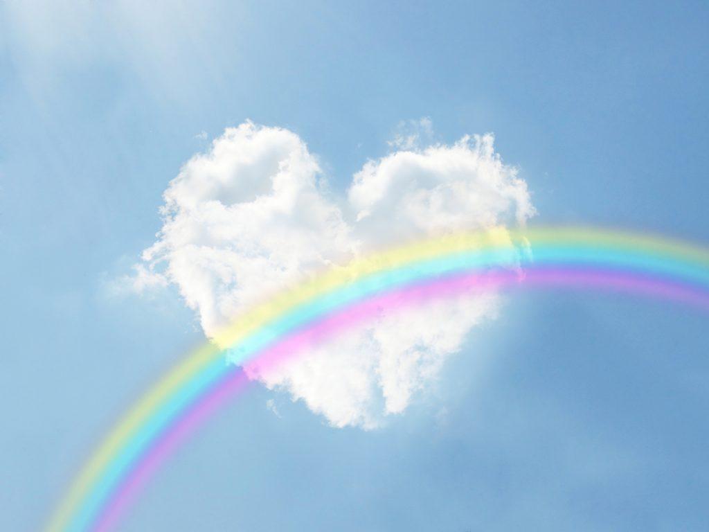 ハートマークの雲と虹