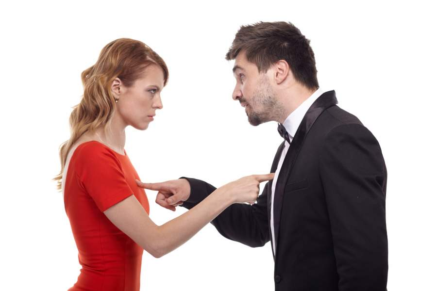主張を譲らない夫婦