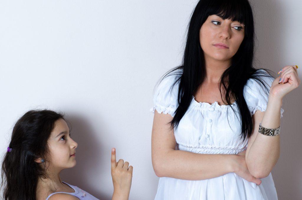 娘を無視する母親