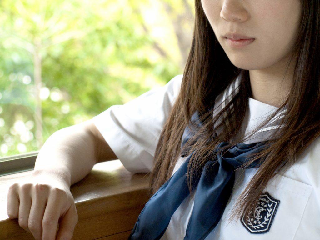 落ち込んでいる女子中学生