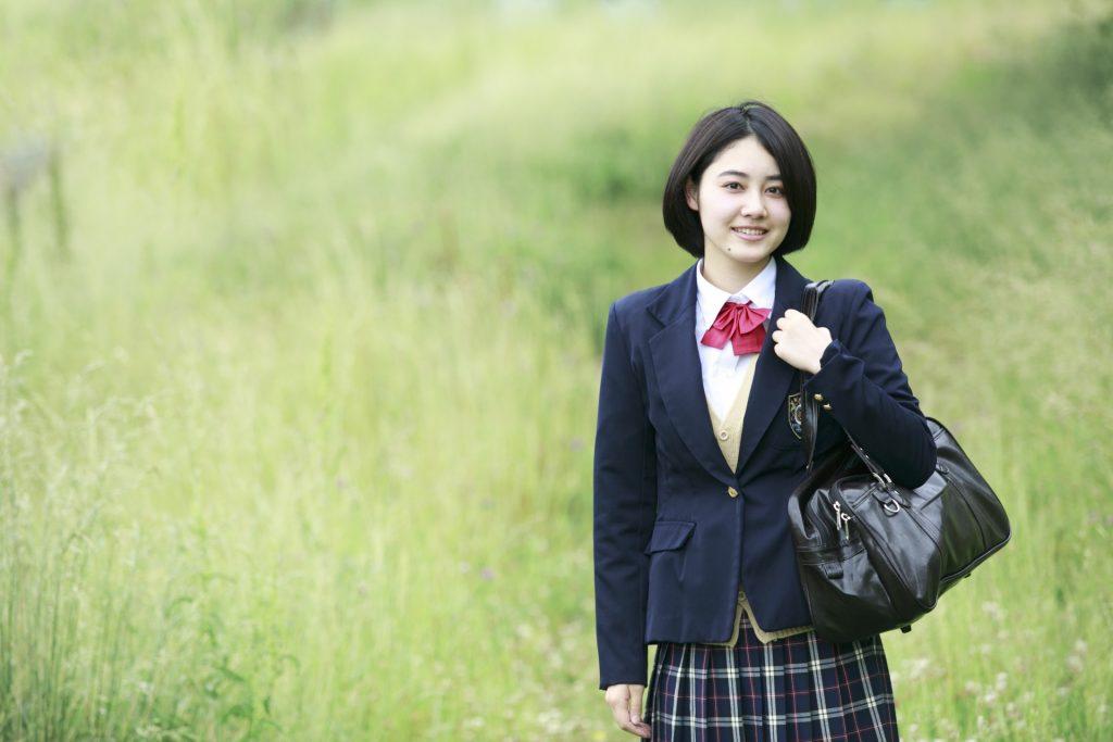 笑顔の高校生