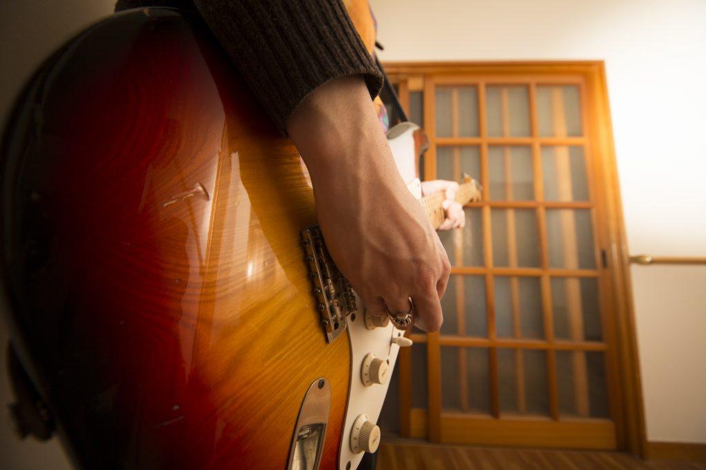 ギターがある部屋