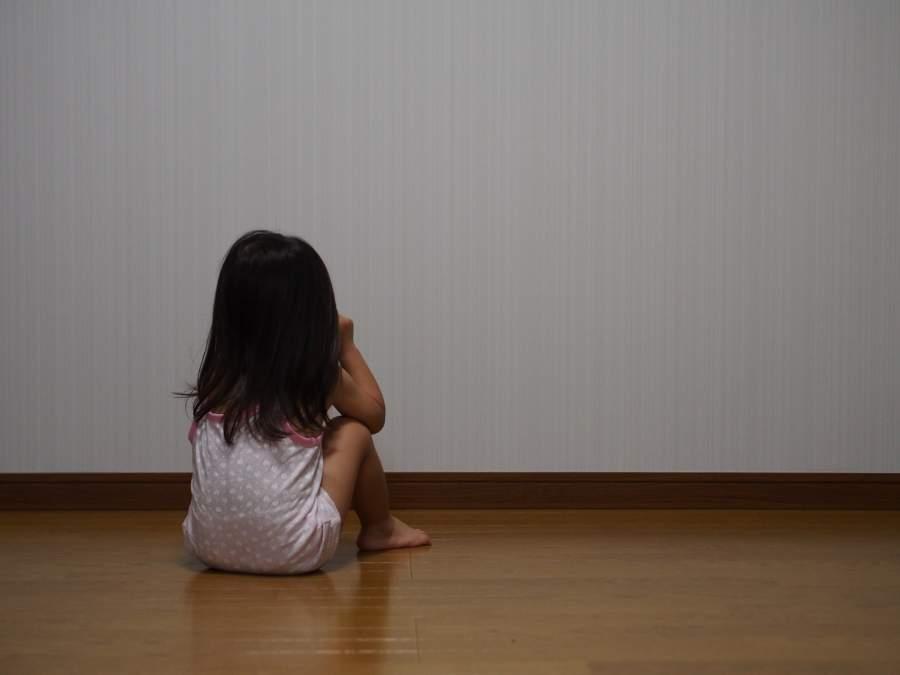 恐怖を覚える少女