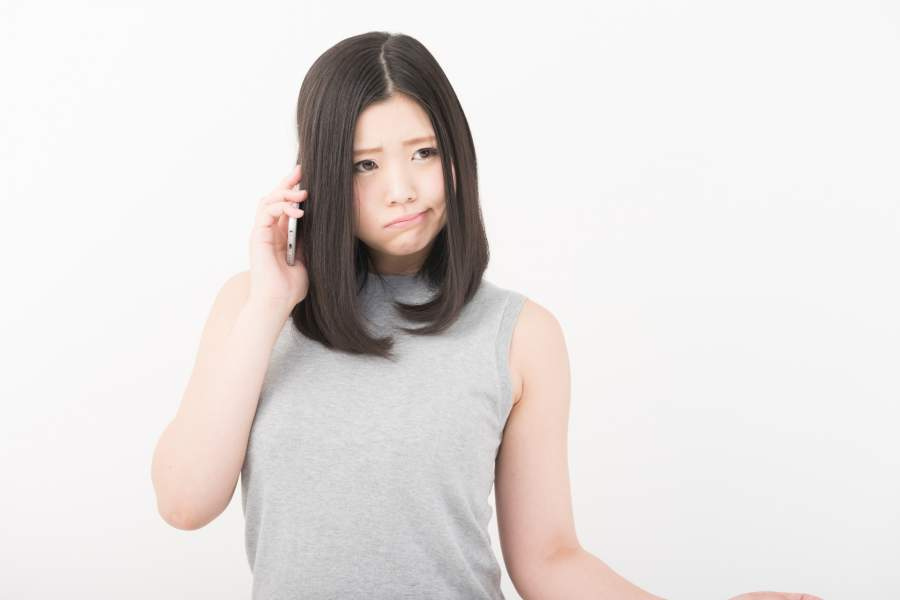 電話口で起こる女性